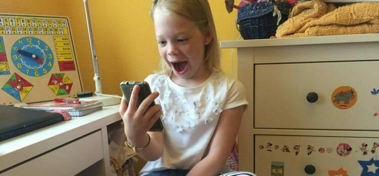 Döbbenetes dolgok derültek ki a kiskorúak mobilozási szokásairól – így védhetjük meg gyerekeinket