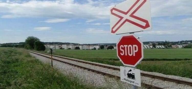 Rettegett a vonat elé ugró