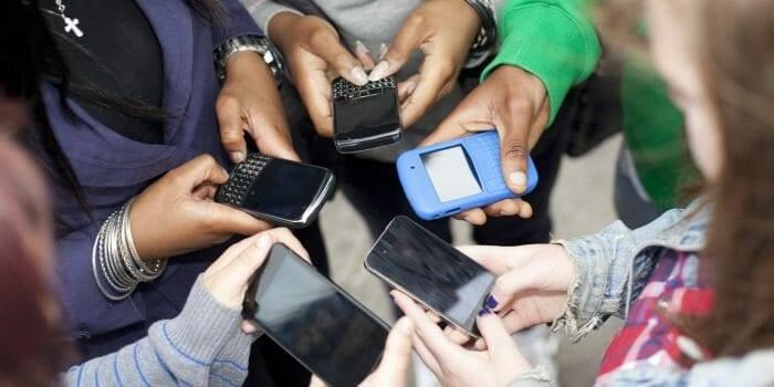 Netfüggő fiatalok